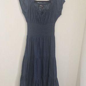 The pyramid Collection jean dress size medium